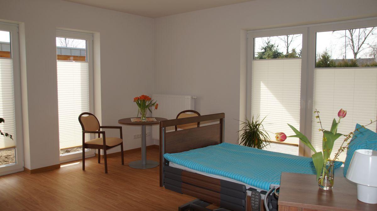 wohngemeinschaft. Black Bedroom Furniture Sets. Home Design Ideas